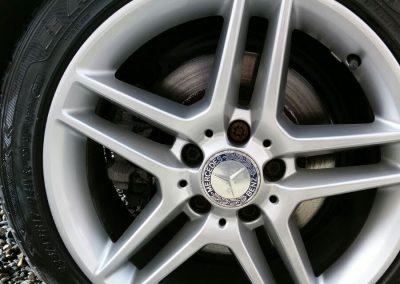 Image of a badly damaged alloy wheel